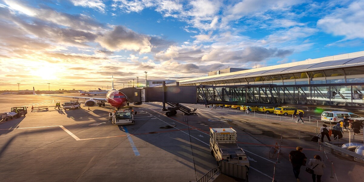 Top 10 Busiest Airports in North America