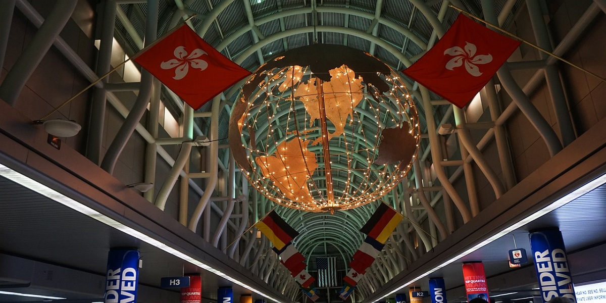 which country has the most airports