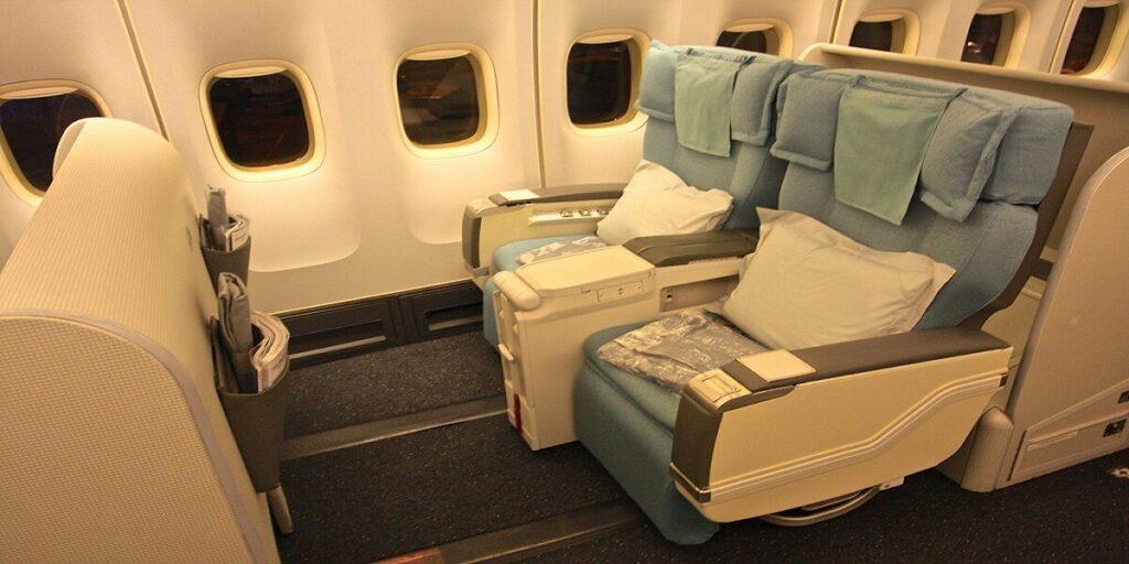 First Class Sleeper Seat - Korean Air 747-400 - Korean Air reviews